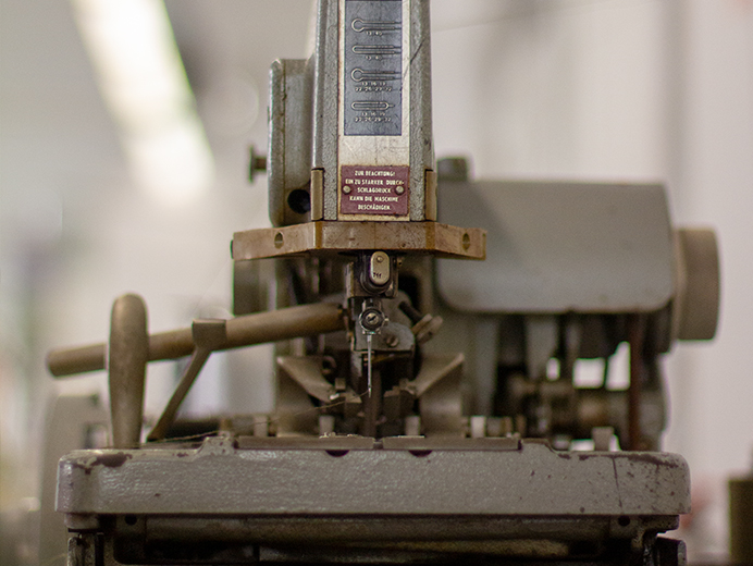Sewing machine at 110prozentig